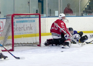 Hockey back in full swing: Midgets win big at home
