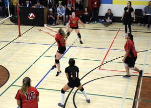 Volleyball season begins with second annual Court Battle Classic