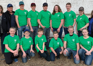 Veteran 4H members teach the younger generation