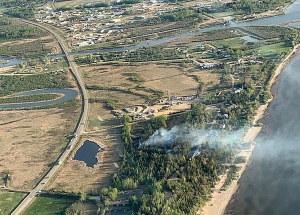 Close call at the beach: fire blows up by Devonshire