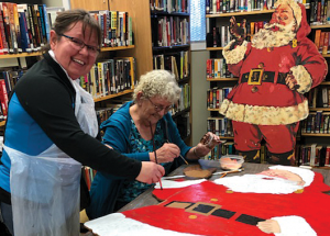 Smith Library adds to Christmas spirit